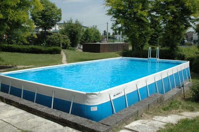 Scopri i vantaggi di avere una piscina fuori terra tvturismo il canale delle tue vacanze - Piscine laghetto prezzi ...